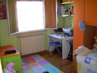 Appartamento con mansarda in soluzione quadrifamiliare a for Camera matrimoniale e piani bagno