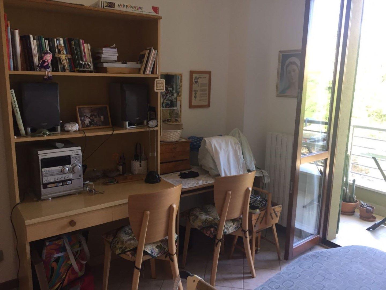MAROTTA DI MONDOLFO: appartamento in posizione centrale al ...