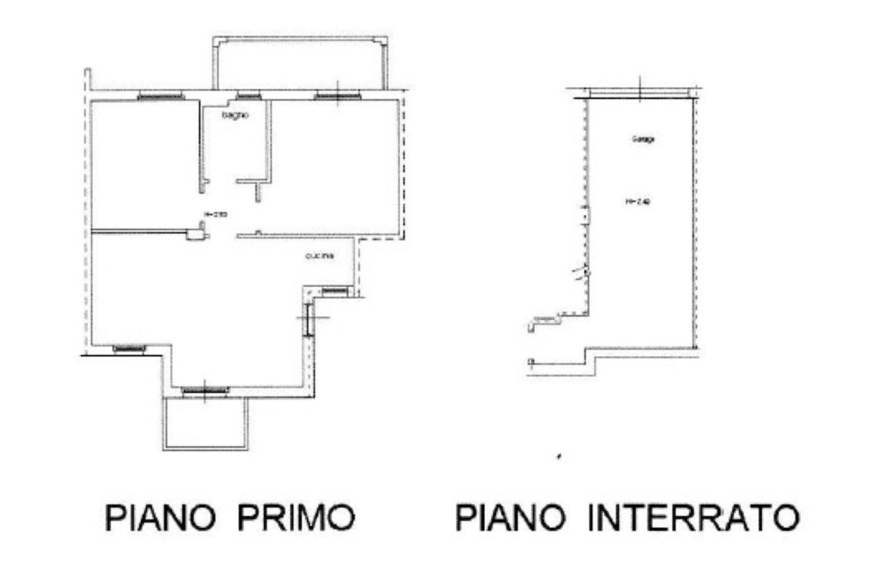 Vendesi casa singola di mq 270 circa su due piani con for Piani di garage di cottage